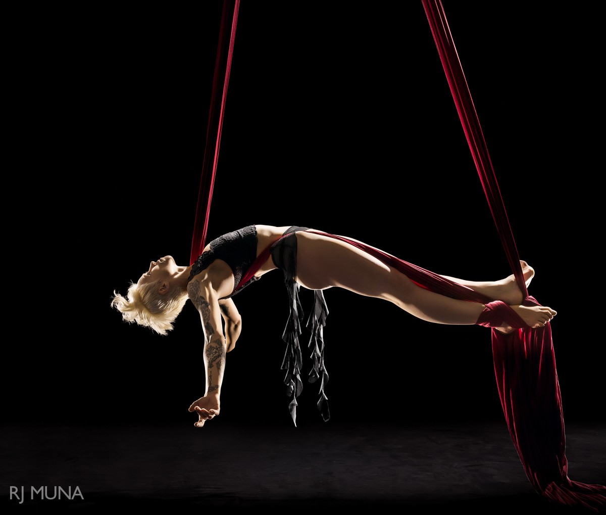 This #FantasticFriday We're Hanging Around With Aerialist