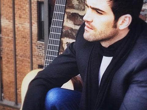 Rich Classical Guitarist